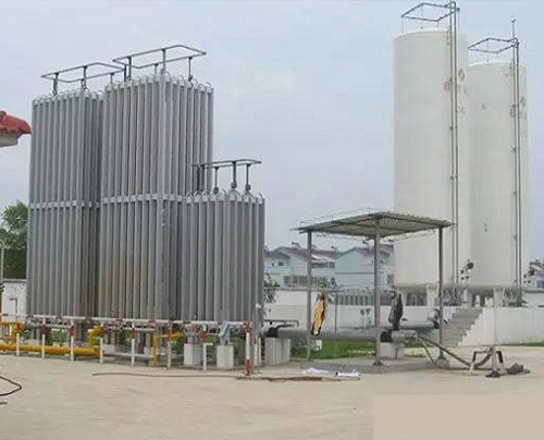 LNG点供装置